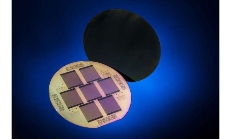 Record-breaking solar cells get ready for mass production