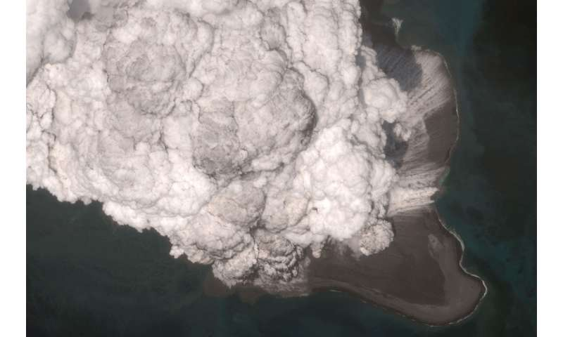 Scientists capture sounds of volcanic thunder