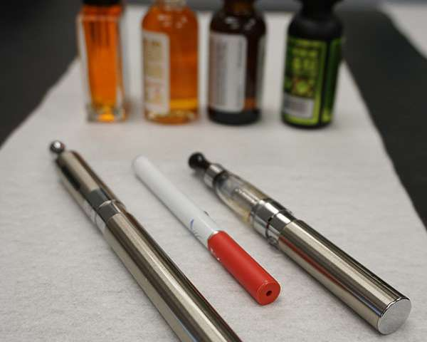 Significant amount of cancer-causing chemicals stays in lungs during e-cigarette use