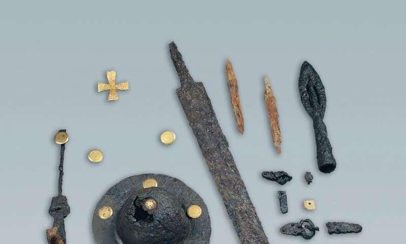 Understanding 6th-century barbarian social organization & migration through paleogenomics