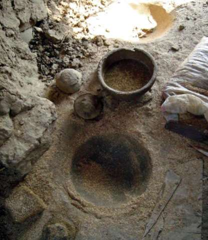 Archaeologists find ancient pottery workshop in Egypt