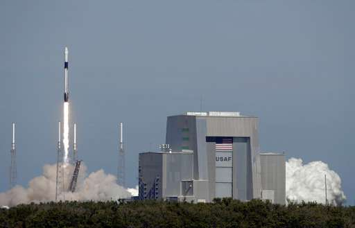 Christmas turkey, fruitcake rocketing toward space station