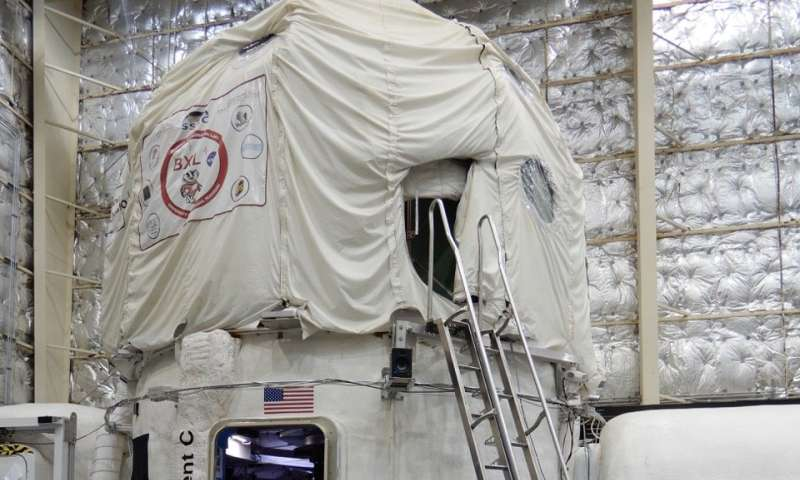 UMass Amherst geoscientist on NASA mission to improve astronaut experience