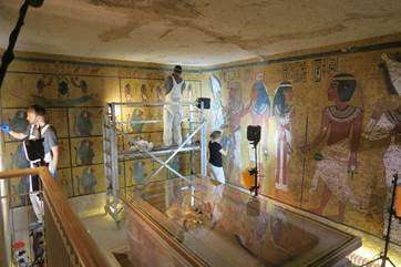 Near completion of work at the tomb of King Tutankhamen