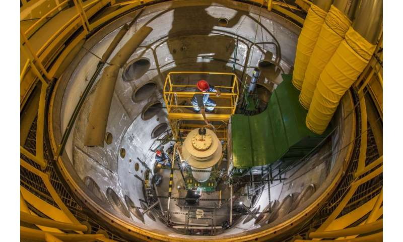 Researchers measure simulated spent nuclear fuel temperatures in a dry cask for new data set