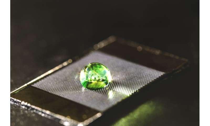Bio-inspired materials decrease drag for liquids