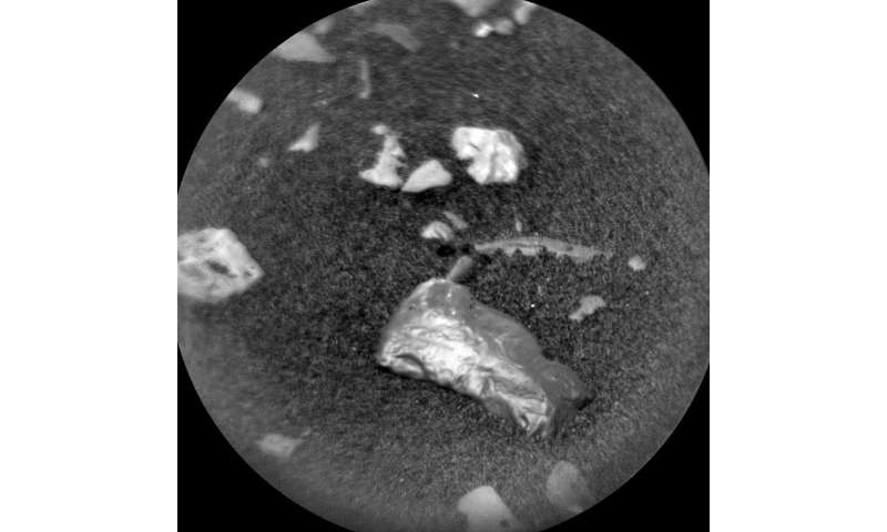 Curiosity to study possible meteorite on Mars surface