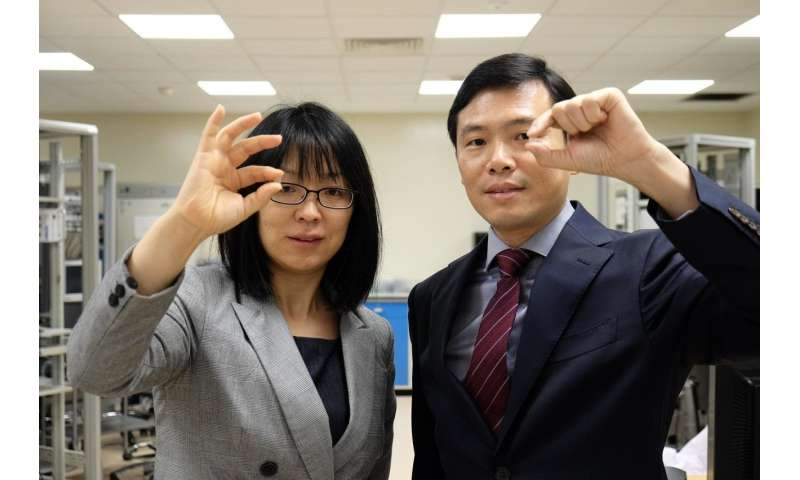 NTU Singapore scientists develop 'contact lens' patch to treat eye diseases