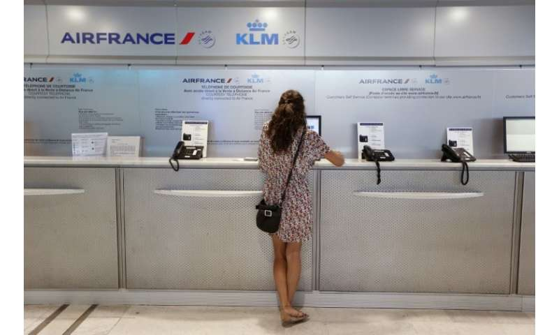 Air France estimated that one flight out of four would be cancelled on Tuesday.
