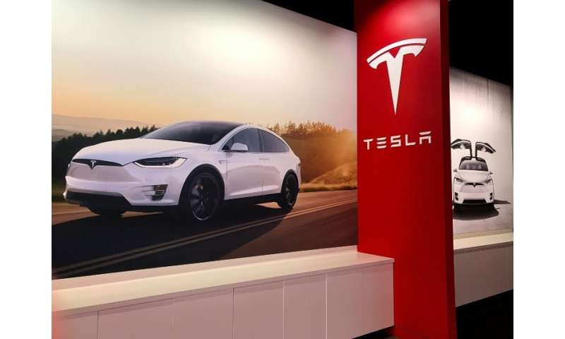 A key Tesla executive who heads the automaker's Autopilot project is leaving amid a probe into a fatal accident involving a car
