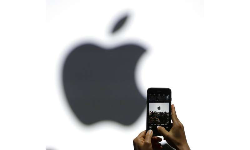 Apple will give users control over slowdown of older iPhones
