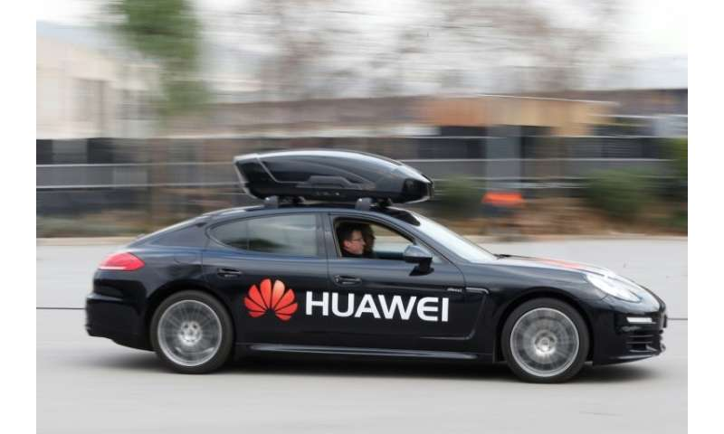 Chinese firm Huawei demonstrated at the Mobile World Congress a Porsche Panamera car driven by the Huawei Mate 10 Pro smartphone