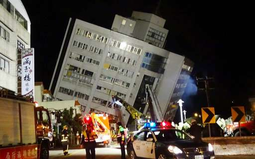 Deadly earthquake strikes Taiwan's east coast