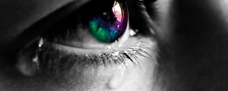 Decomposing tears in order to detect dry eye disease