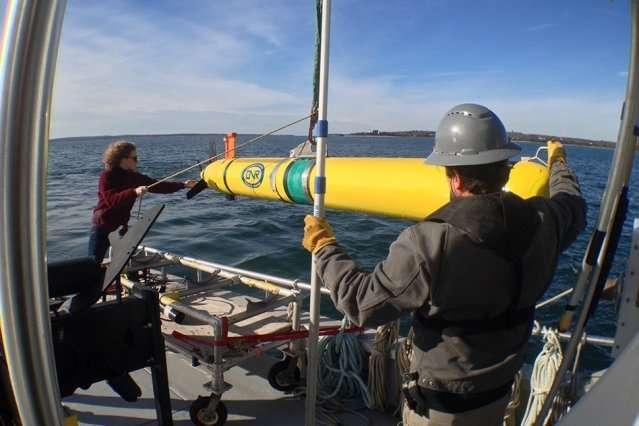 Fundamental equations guide marine robots to optimal sampling sites