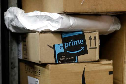 Get Into My Car ... Amazon begins delivery to vehicles