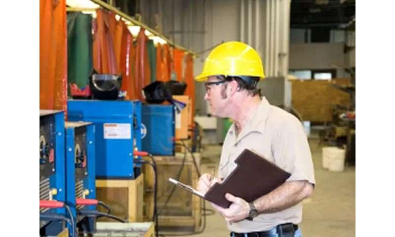 Hispanics bear brunt of exposure to workplace hazards: study