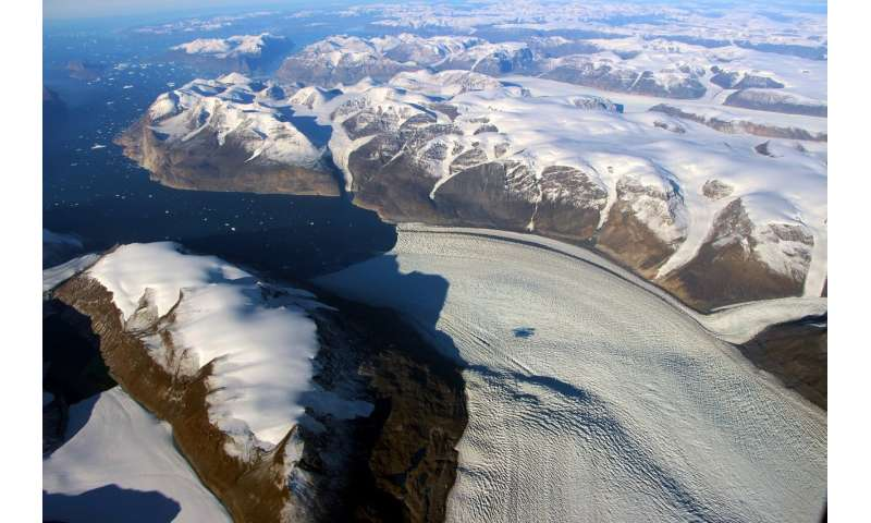 Ice-age echoes affect present-day sea level