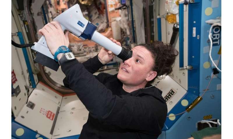 Image: Astronaut Serena Auñón-Chancellor examines her eyes