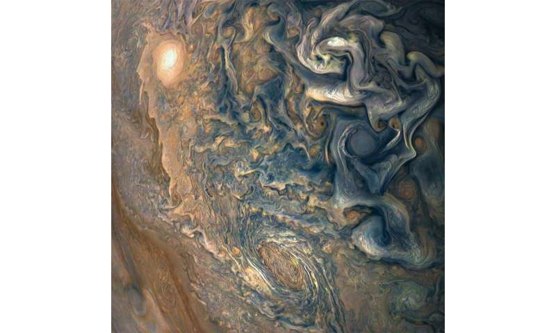 Image: High above Jupiter's clouds