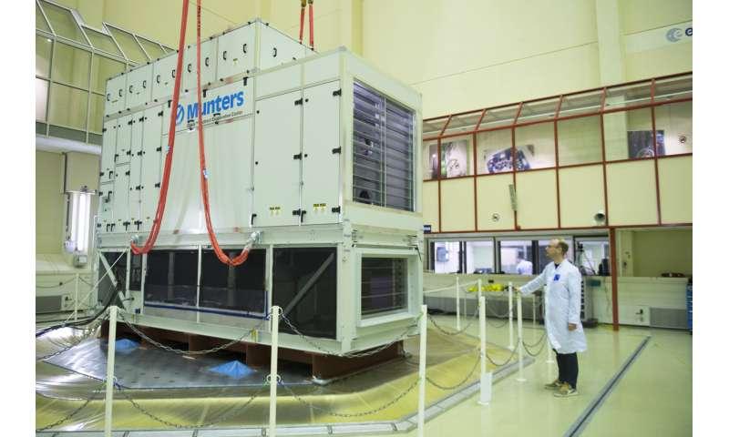 Image: Shaker test of 8-tonne cooling system
