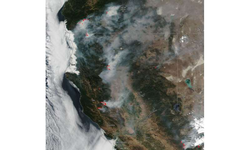 Image: Smoke obscuring large portions of Northern California and Oregon
