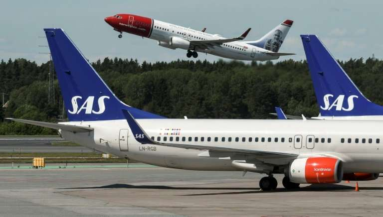 In 2016, Norway and Sweden began to sell off their shares in the airline