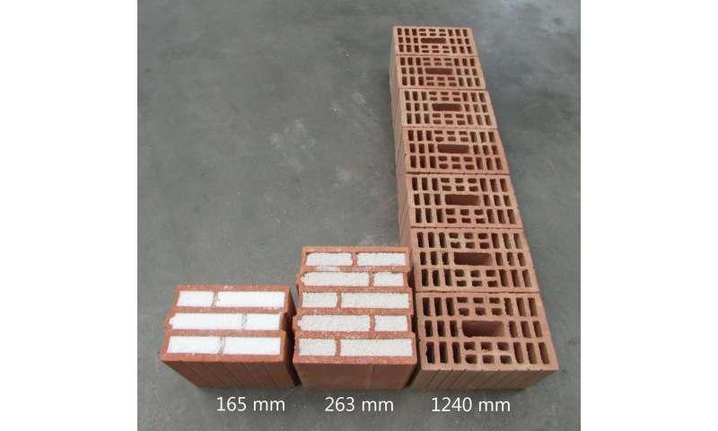 Insulating bricks with microscopic bubbles