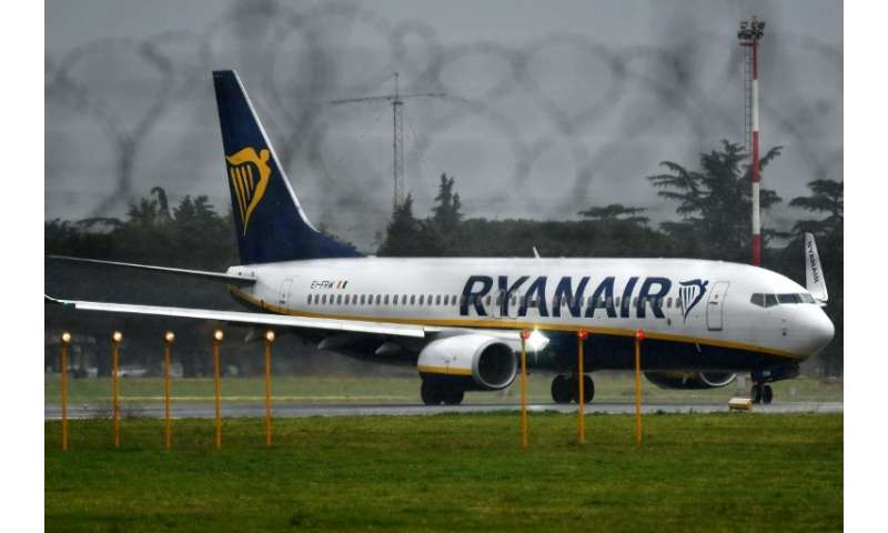 Irish low-coast airline Ryanair has agreed to recognise a cabin crew union in Ireland, following agreements with such unions in