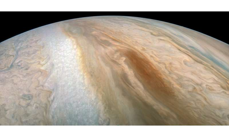 "Juno captures elusive ""brown barge"""
