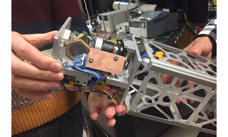 Laser-pointing system could help tiny satellites transmit data to Earth