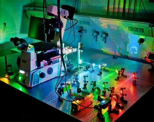 Lighting up DNA-based nanostructures