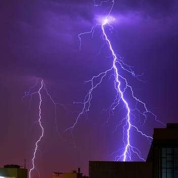 Lightning carries potential danger to people with deep brain stimulators