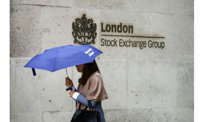 London's benchmark FTSE 100 index was down 1.25 percent