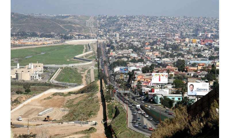 Mexican migrant health access lower after U S  border