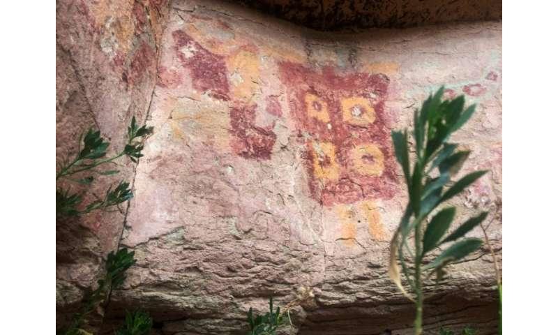 Most of the Taira rock art drawings in the Atacama desert depict llamas