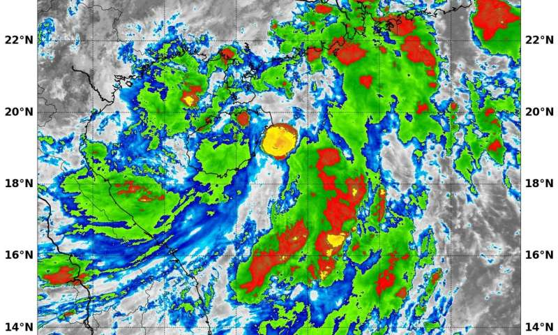 NASA finds some fragmented strength in Tropical Depression 05W