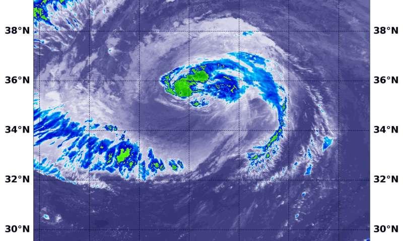 NASA looks at large Leslie lingering in Atlantic