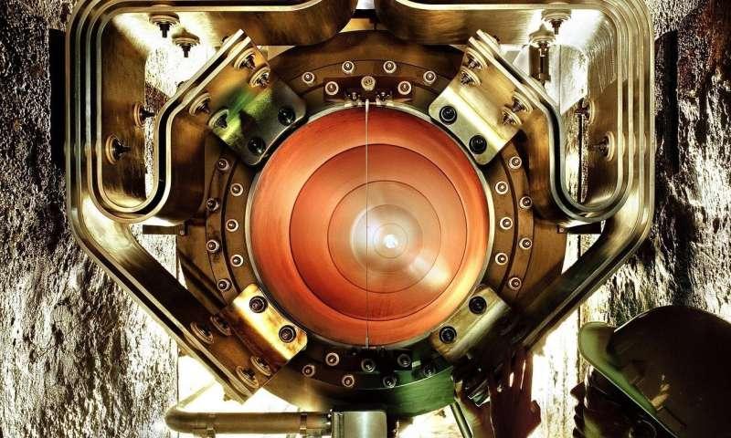 Maximum mass of lightest neutrino revealed using astronomical big data
