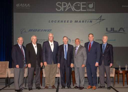 Past NASA chiefs gather for space agency's 60th anniversary