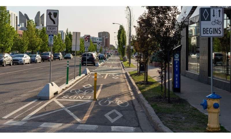 Protected bike lanes reduce stress, travel time for riders: study