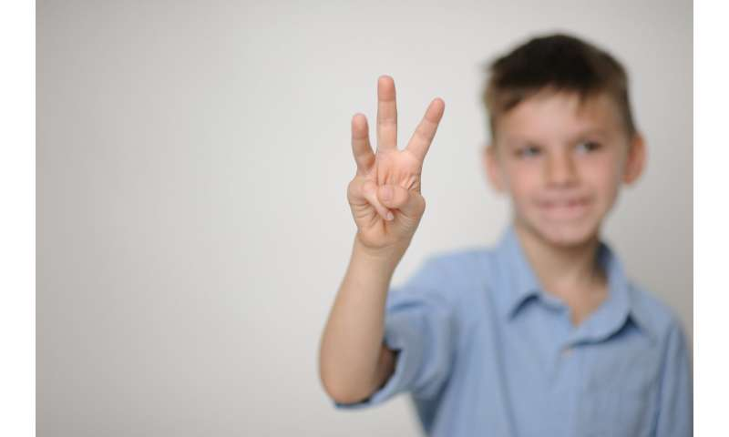 Researcher unlocking relationship between early math ability, fingers