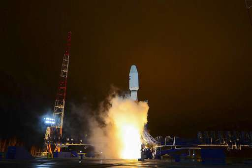 Russian rocket puts satellite into orbit, 1st since failure