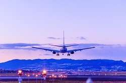 Safer airport approaches with 3D satellite-based navigation