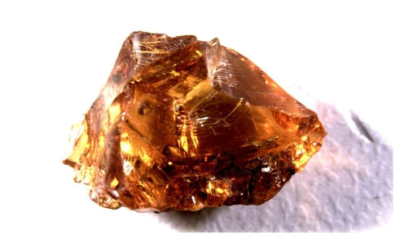 Sicilian amber in western Europe pre-dates arrival of Baltic amber by at least 2,000 years