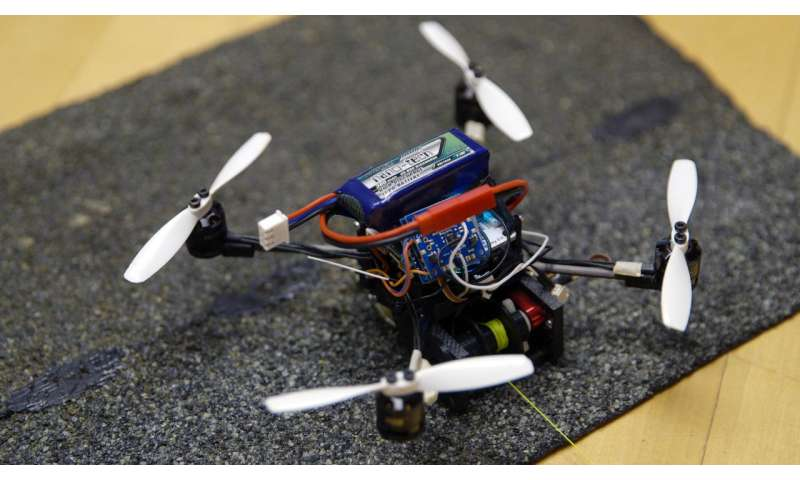 Small flying robots haul heavy loads