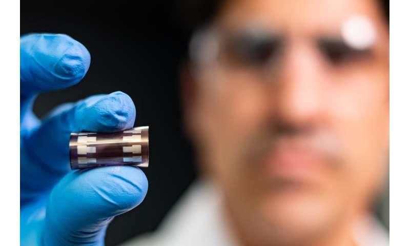 Stretchy solar cells a step closer