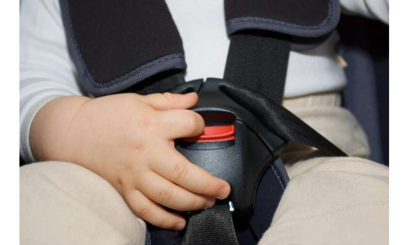 Study buckles down on child car seat use in ride-share vehicles