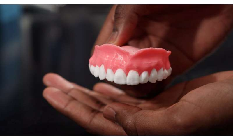 Study: Drug-filled, 3-D printed dentures could fight off infections