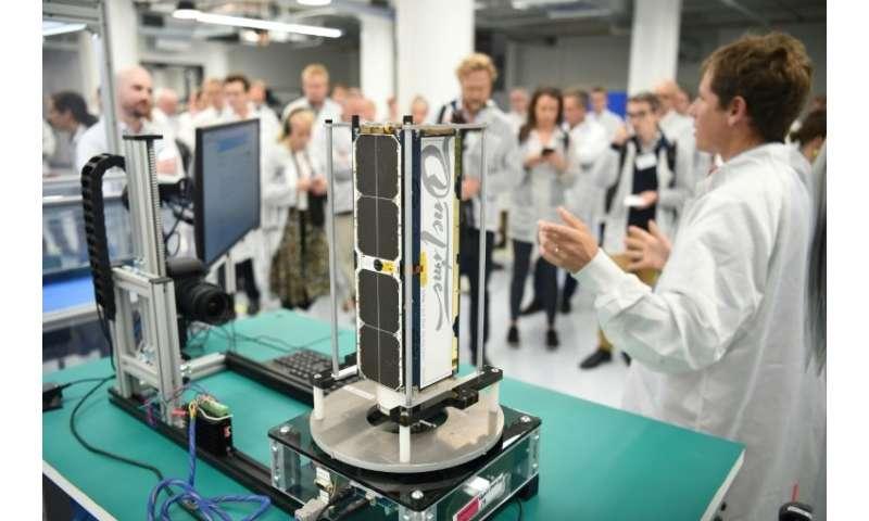 Un nanosatellite en phase d'assemblage dans les bâtiments de Planet à San Francisco, le 11 septembre 2018